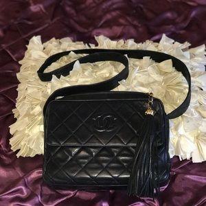 💯%authentic Lambskin vintage camera tassel Chanel